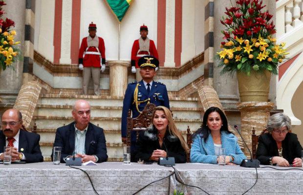 Les putschistes retirent la Bolivie de l'ALBA et rejettent 80% des ambassadeurs