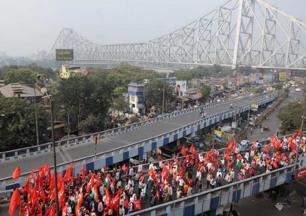 Bengale (Inde) : Une marche de 12 jours et de 283 km contre les privatisations