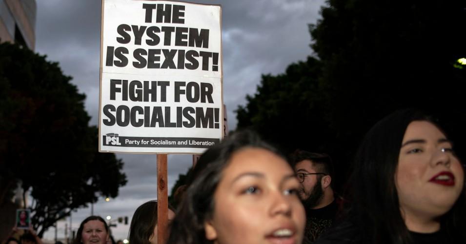 Aux Etats-Unis, 55% des femmes préfèrent le socialisme au capitalisme