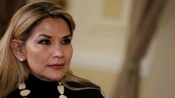 Bolivie : La putschiste Jeanine Áñez huée par la population d'Oruro