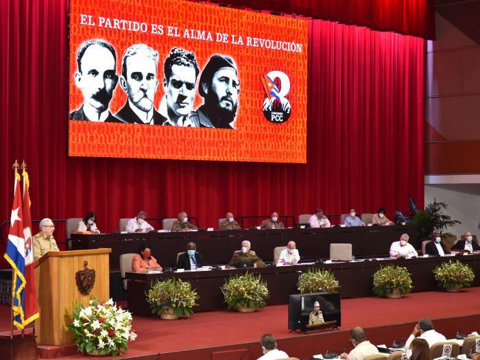 Rapport du 8ème Congrès du Parti Communiste de Cuba