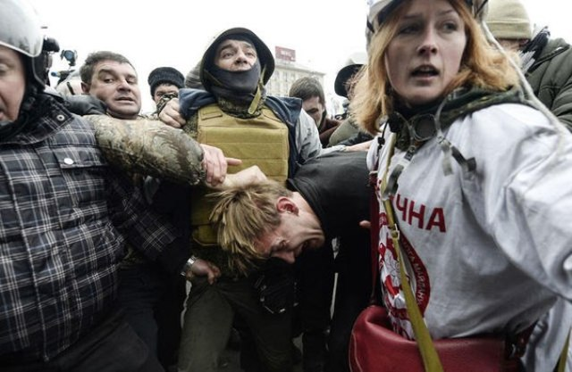 Rostislav Vasilko, dirigeant communiste à Lvov (Ukraine) torturé par les néonazis de EuroMaïdan