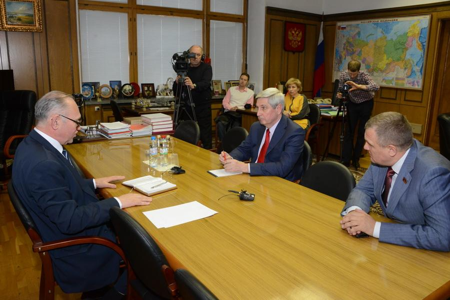 Rencontre entre le KPRF et le Parti Communiste de la République Populaire de Donetsk (KPDNR)