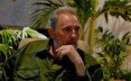"""Fidel Castro présente ses mémoires du maquis devant des """"frères d'armes"""""""