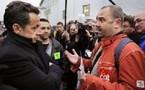 Sarkozy mis en difficulté par les cheminots