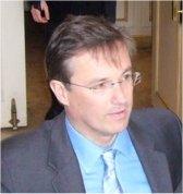 Nicolas Dupont-Aignan lance son parti