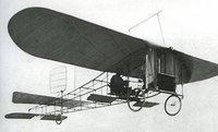 Cent ans après Blériot, un pilote retraverse la Manche en monoplan