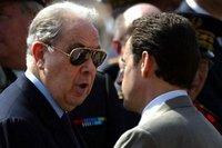 France: Pasqua veut cracher le morceau et autres news