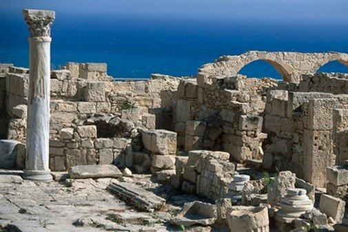 Monde: Vol de la dépouille d'un ancien Président Chypriote et autres news