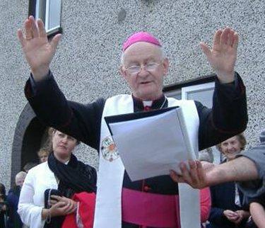 Europe: démission de l'évêque d'Irlande et autres news