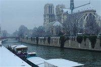 France: Paris sous la neige et autres news