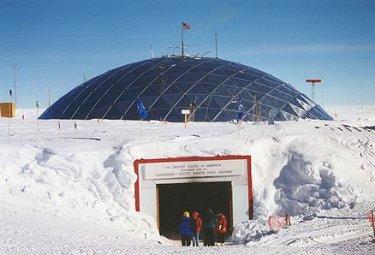 Sept femmes arrivent au Pôle Sud après un trek de 900 km