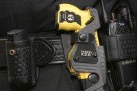 Un Tazer dans l'équipement d'un policier britanique