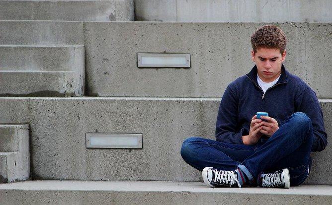 Les meilleures applis pour espionner les sms