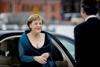 Europe: le candidat d'Angela Merkel élu péniblement