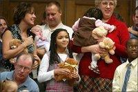 Jennifer Love Hewitt pense à l'adoption
