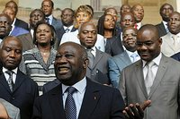 Monde: les commerces des étrangers menacés en Cote d'Ivoire et autres infos