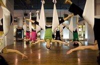 Forme et beauté: Yoga anti-gravité, une version aérienne et autres news