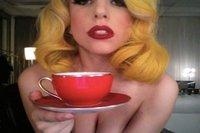 People: Lady Gaga n'urine pas n'importe où