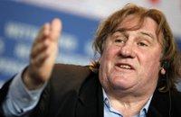 Gérard Depardieu urine dans l'avion