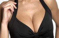 Monde: palpation des seins des hôtesses de l'air