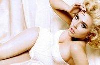 Scarlett Johansson se dénude sur le web