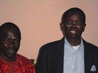 Pape Sagna Mbaye avec le Premier Adjoint, Abdou Ndoye, à sa droite. Cliquez sur l'image pour l'agrandir