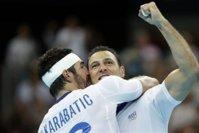 Les handballeurs français détruisent un plateau de l'equipe tv