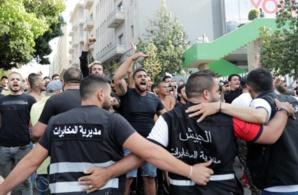 Liban: les manifestants antipouvoir de retour dans la rue, après le confinement