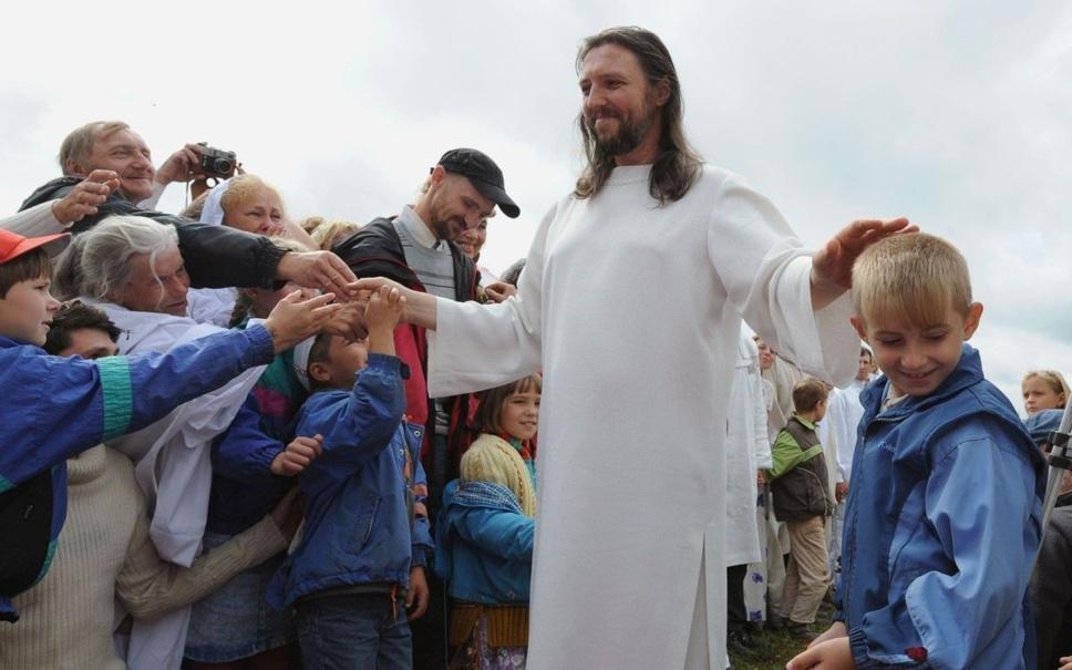 """Russie : un homme qui se prend pour """"Jésus"""" est arrêté"""