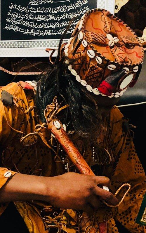 Brisse, voyant medium et marabout africain sorcier vaudou Sion: retour d'amour et d'affection