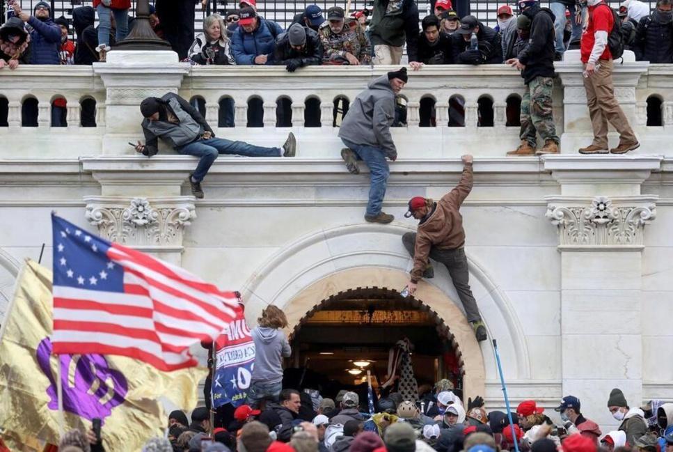 USA/Capitole : les émeutiers suspectés de vouloir assassiner les élus