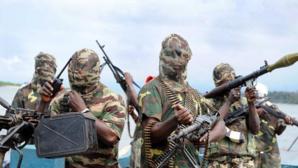Des hommes armés attaquent une école secondaire nigériane et enlèvent des élèves