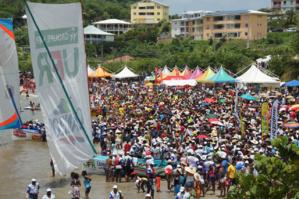 """Des milliers de personnes protestent en Martinique contre l'""""impunité"""" des insecticides"""
