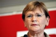 Môquet: Marie-George Buffet dénonce un 'hommage solennel, mais trompeur'