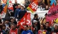 Grèves: la tension monte d'un cran dans l'après-midi