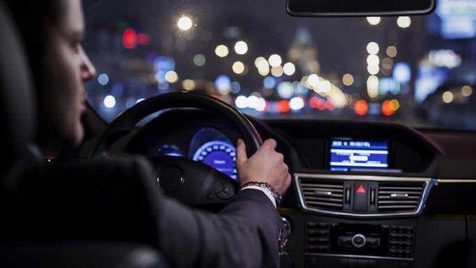 Taxis vs VTC : le parquet fait appel de la relaxe d'un conducteur UberPop