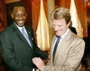 Tchad: Déby 'pardonne' l'Arche de Zoë et arrête quatre députés