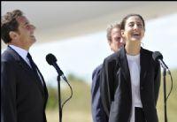 Actu Monde : Ingrid Betancourt est arrivée en France, tout le pays 'est heureux'