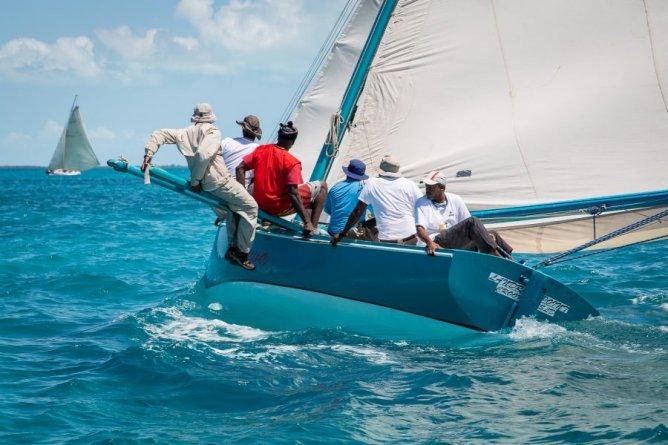 Des infos multilingues pour la stars sailors league aux BAHAMAS