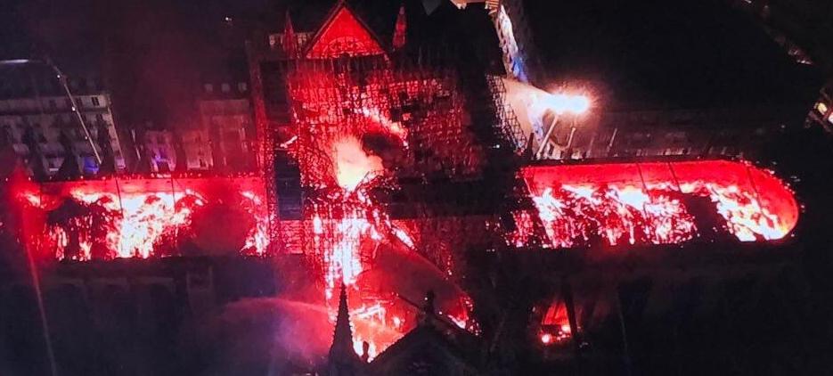 L'incendie de Notre-Dame de Paris salutaire pour Macron?