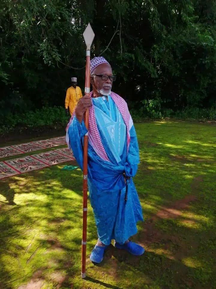 Me Facounda Dramé médium d'amour et guérisseur Africain Bretagne: Vannes, Brest, Quimper