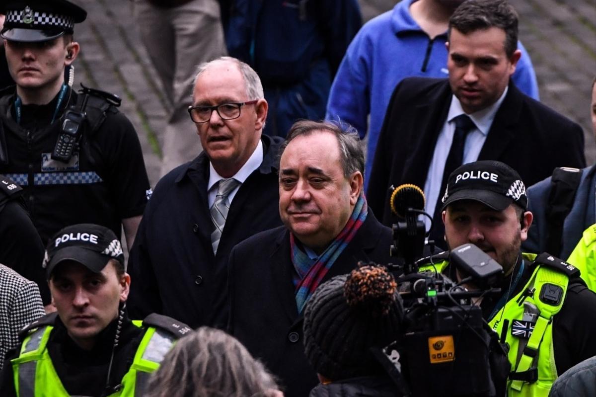 Le premier sondage sur l'indépendance de l'Ecosse en 22 ans : un vote à égalité dans la controverse sur Alex Salmond