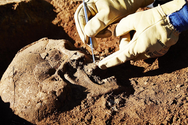 Des archéologues découvrent les preuves du plus ancien enterrement humain