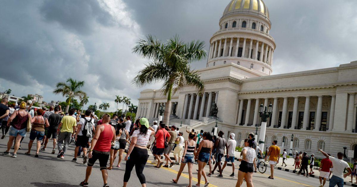 Cuba : la colère éclate dans les rues, les partisans du régime appelés à répliquer