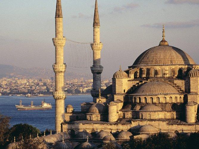 La Turquie mène les mêmes actions contre les rebelles kurdes et l'EI