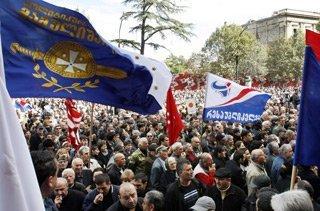 A la Une du jour: Sarkozy, Bruni, Clinton en chute? et autres actus