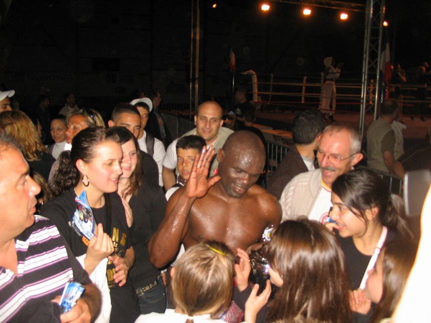 Boxe en provence: Jimmy COLAS lance un défi