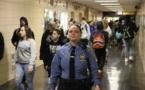 Un fonctionnaire de la police de New York défend le droit des officiers à flirter avec le public