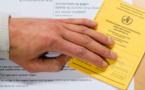L'UE prévoit d'instaurer un passeport vaccinal contre le Covid à temps pour les vacances d'été